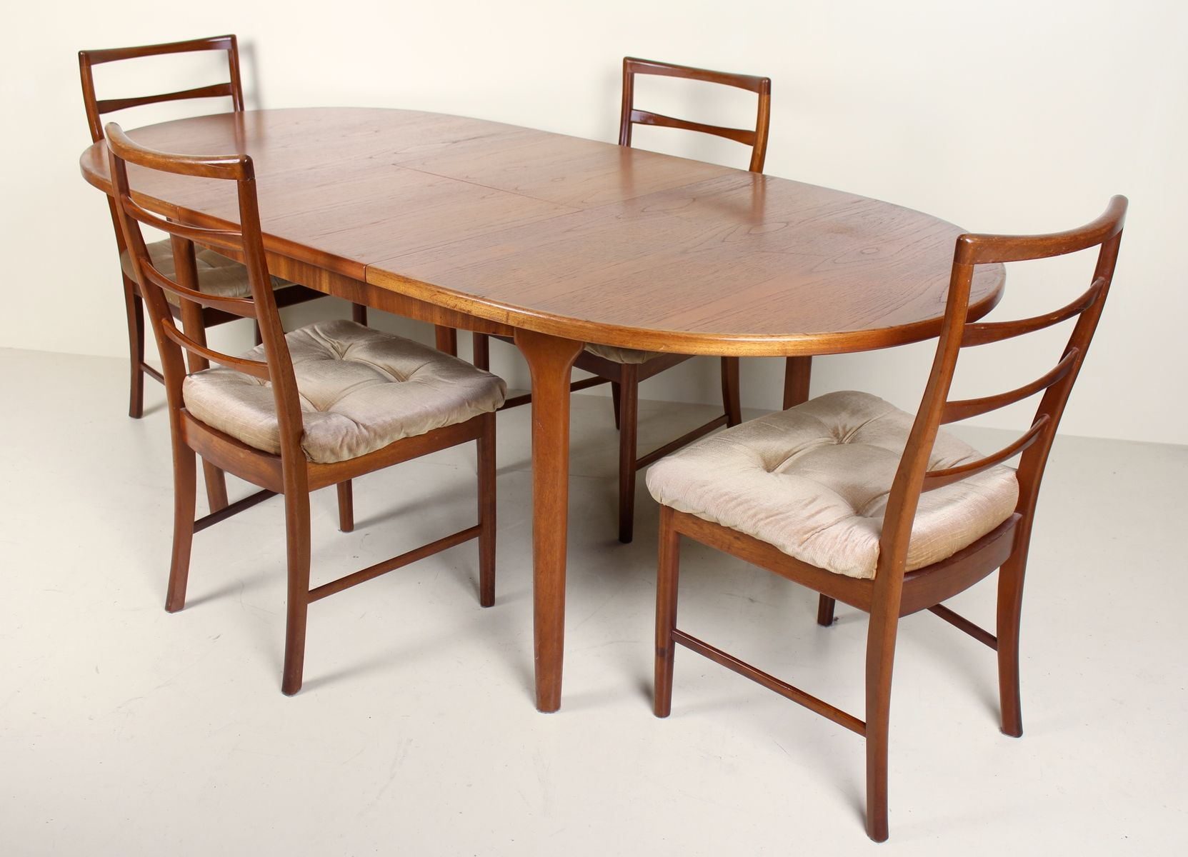 Vintage Dining Table Chairs From Mcintosh 1950s Bei Pamono Kaufen