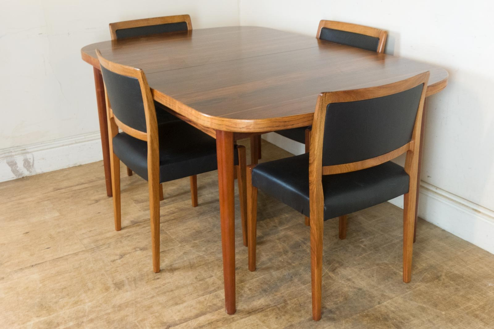 Rosewood Dining Table And 4 Chairs By Nils Jonsson For
