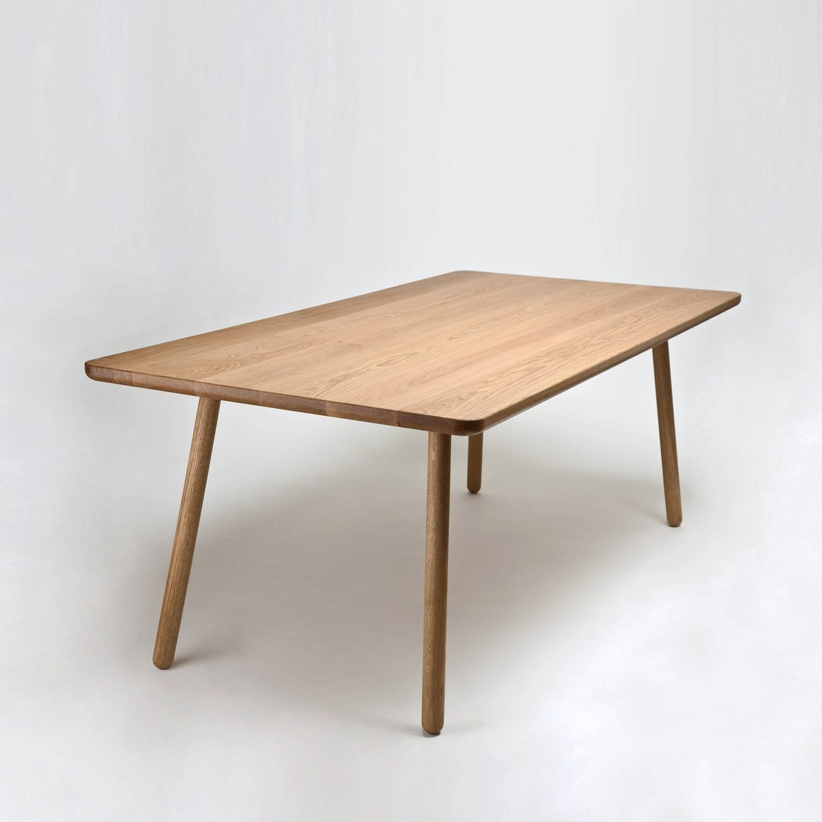 tr s grande table de salle manger one en ch ne naturel par another country en vente sur pamono