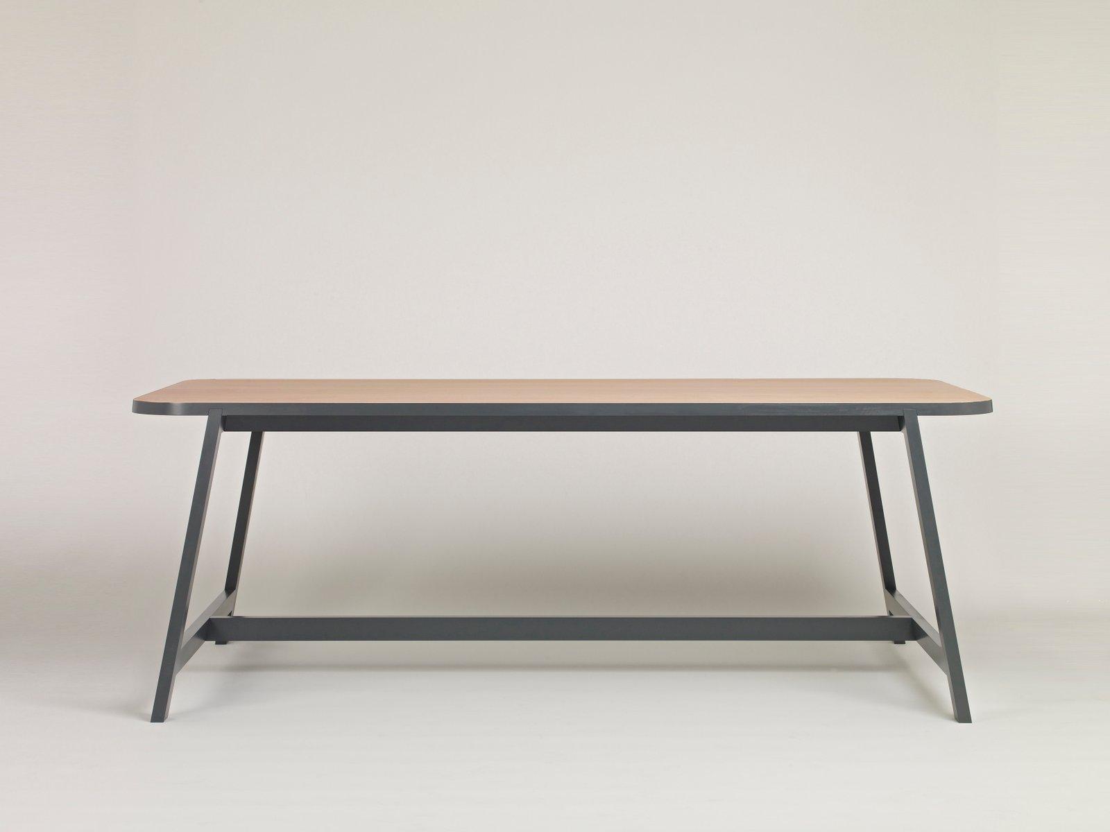 grande table de salle manger three en h tre gris laqu par another country en vente sur pamono. Black Bedroom Furniture Sets. Home Design Ideas