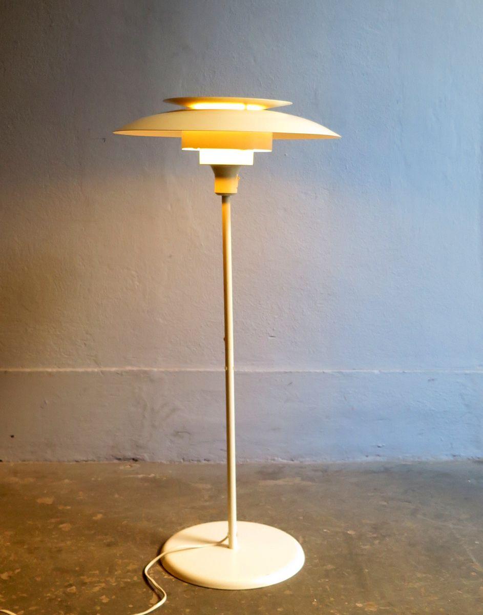 Weiße dänische Stehlampe aus Metall, 1960er
