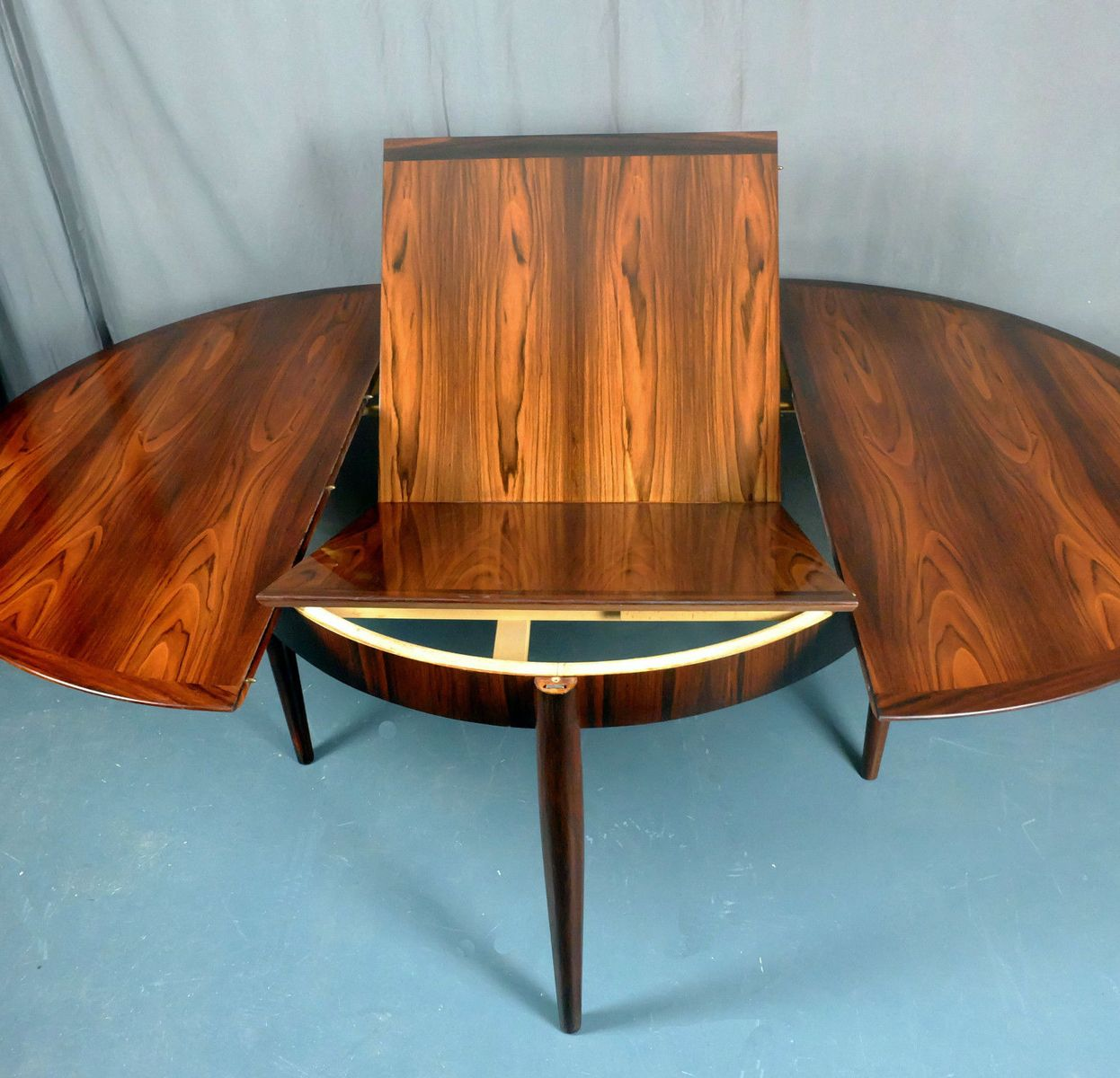 Rosewood Round Extendable Dining Table From Lubke 1960s For Sale At