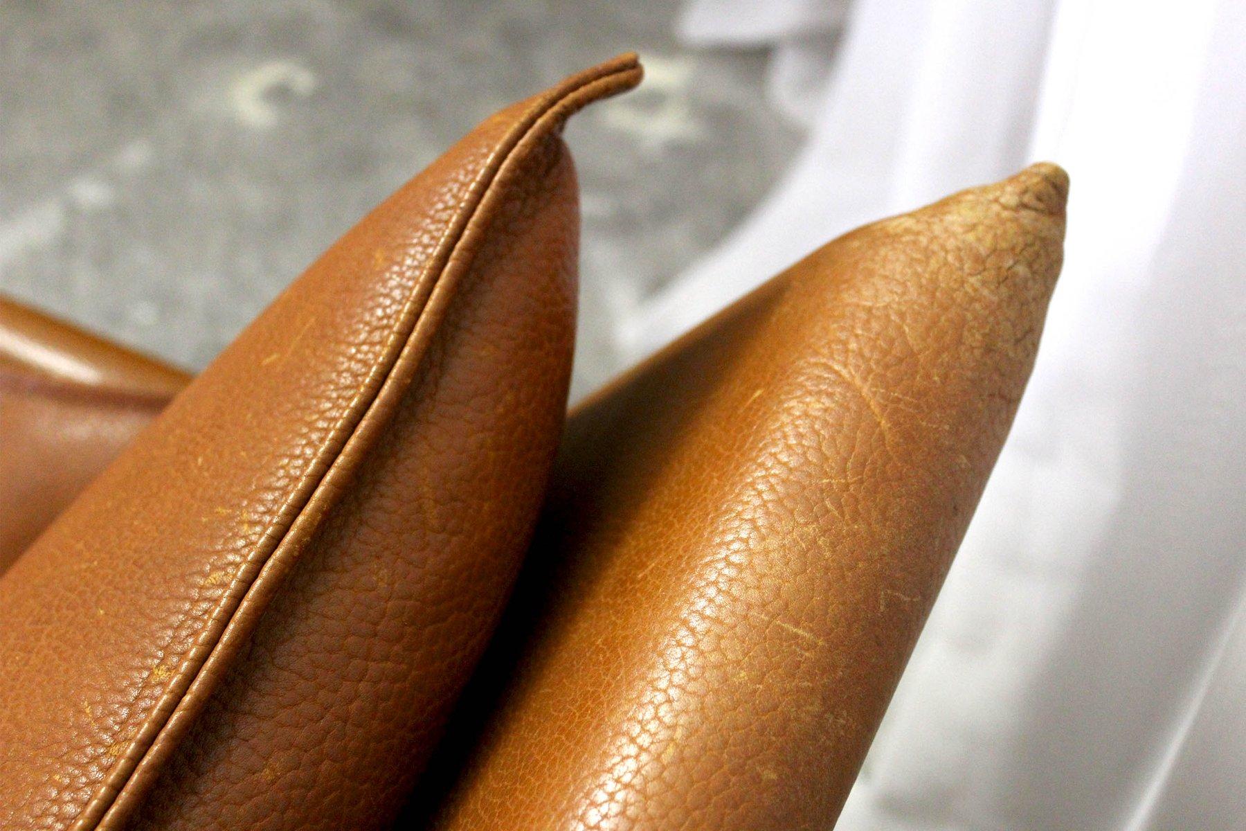 Poltrona vintage in pelle di sormani anni in vendita su pamono