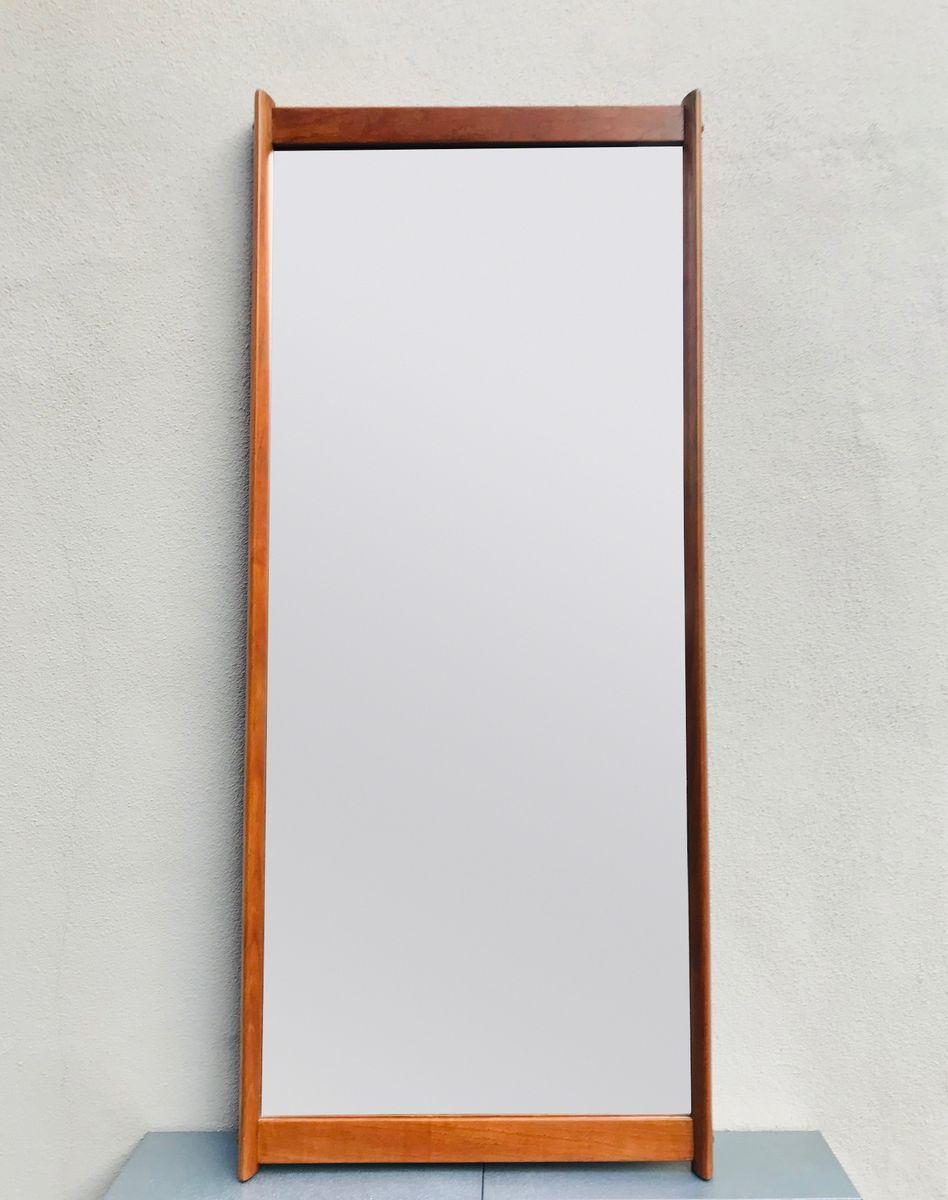 Specchio da parete grande con cornice in teak di Aksel Kjersgaard ...