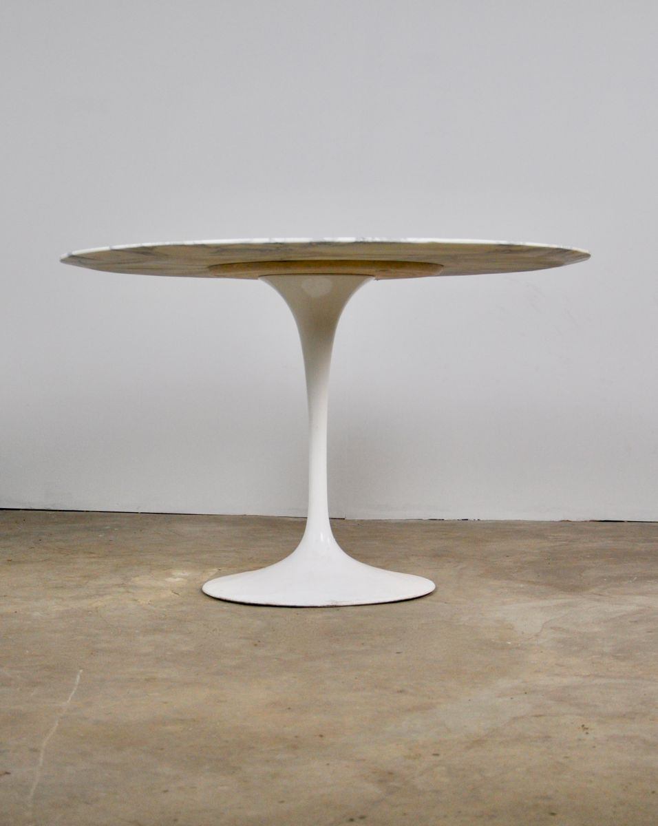 Tulip Dining Table By Eero Saarineen For Knoll 1960s For