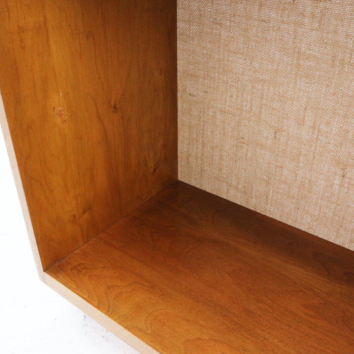 schrank aus nussholz mit jute bedeckter r ckwand 1960er bei pamono kaufen. Black Bedroom Furniture Sets. Home Design Ideas