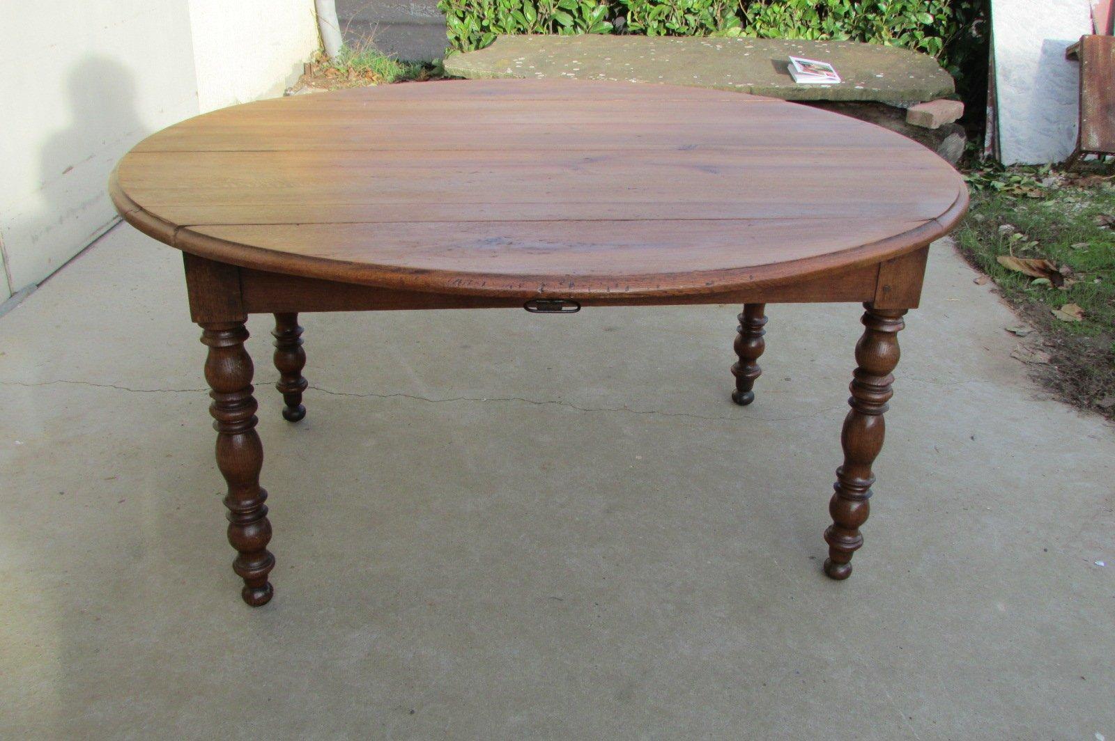 Ausziehbarer ovaler ausklappbarer Tisch aus Eiche, 1910er