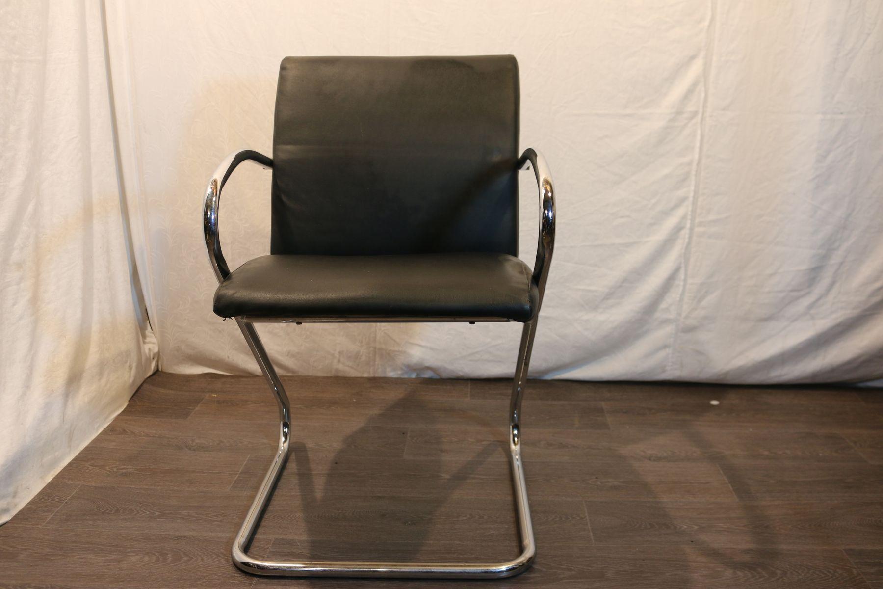 Sedie in metallo e pelle nera anni set di in vendita su pamono