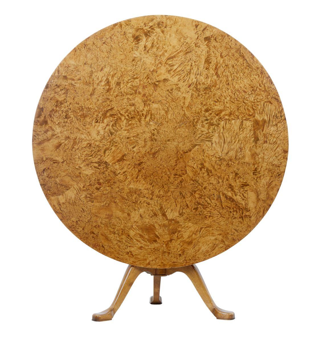 Tavolo rotondo antico con ripiano a ribalta, fine XIX secolo in ...