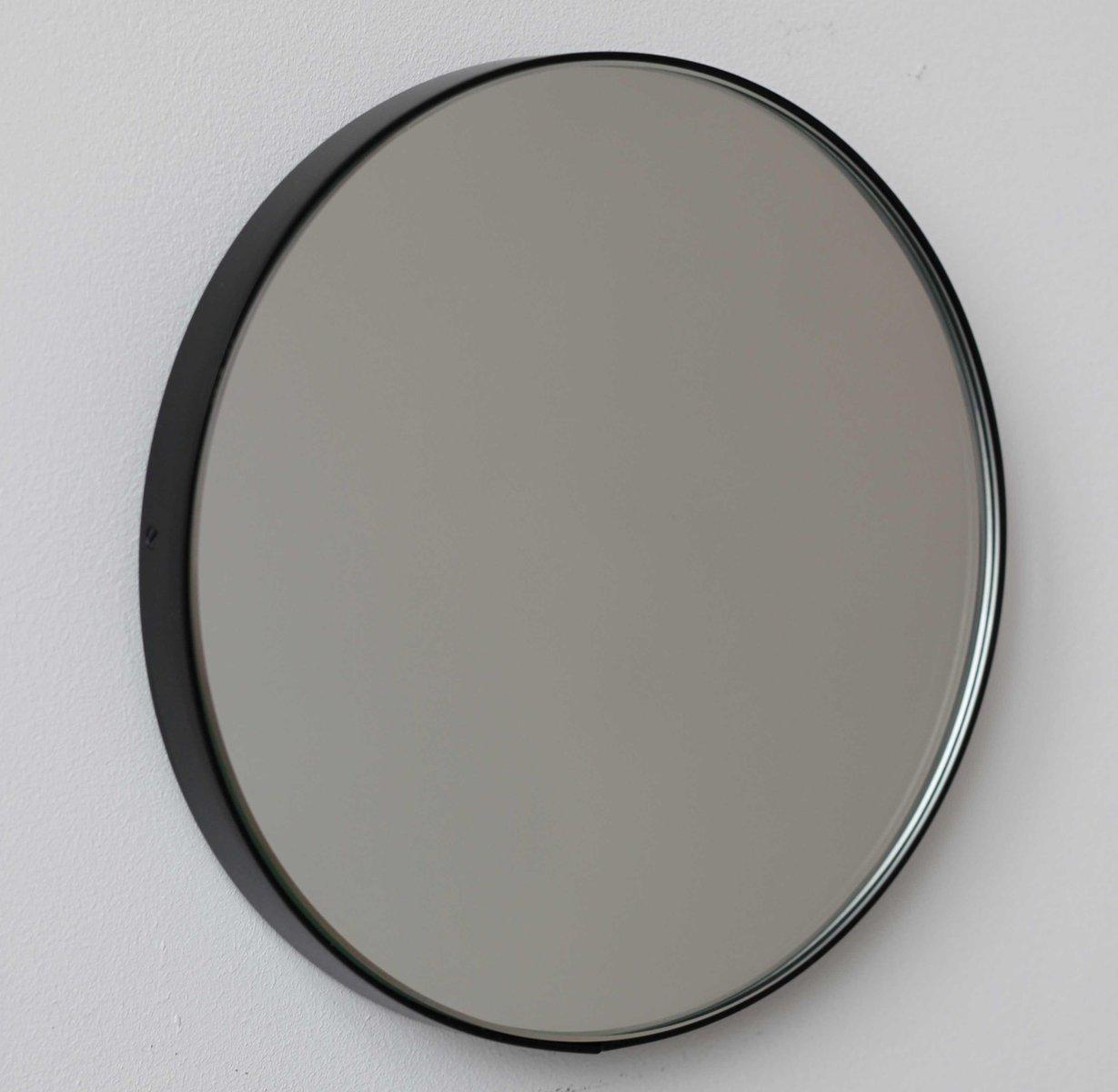 besonders gro er runder silver orbis spiegel mit schwarzem. Black Bedroom Furniture Sets. Home Design Ideas