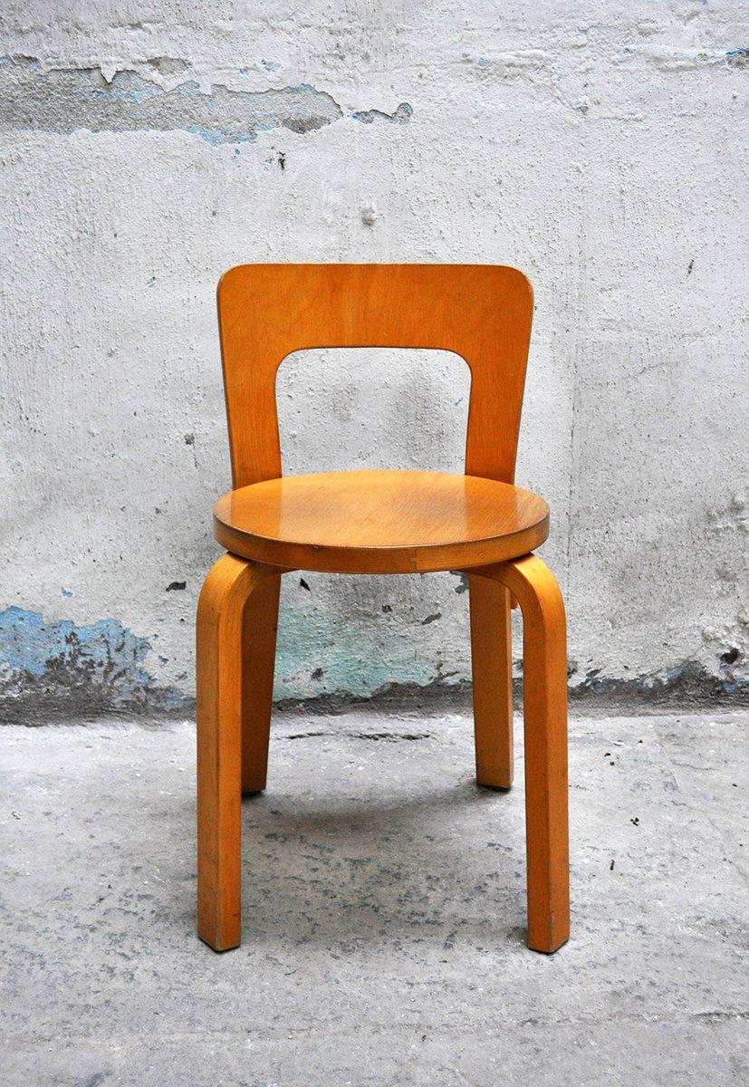 Tavolo da pranzo con quattro sedie di Alvar Aalto per ...