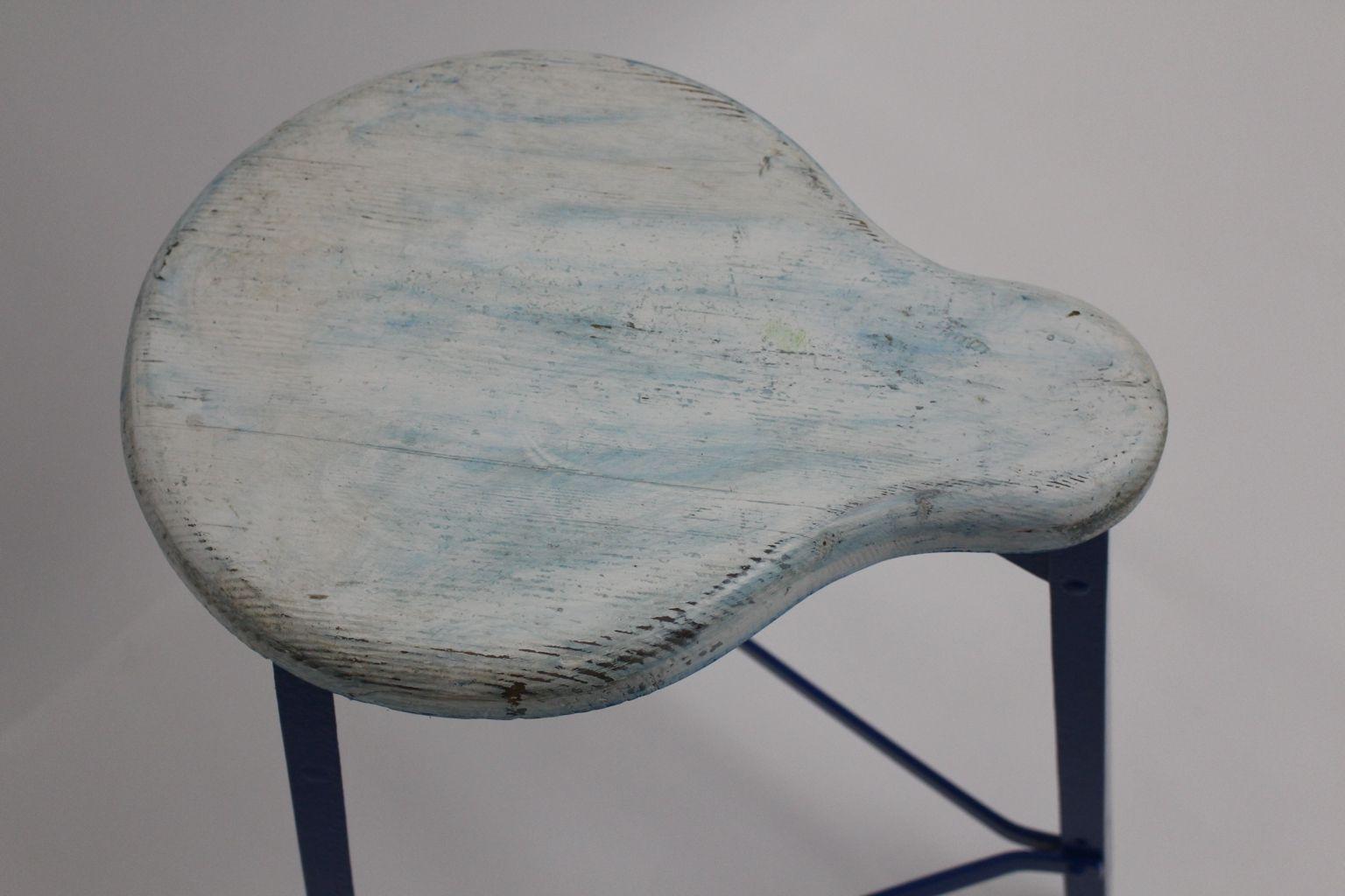 Sgabello industriale mid century bianco e blu anni in vendita