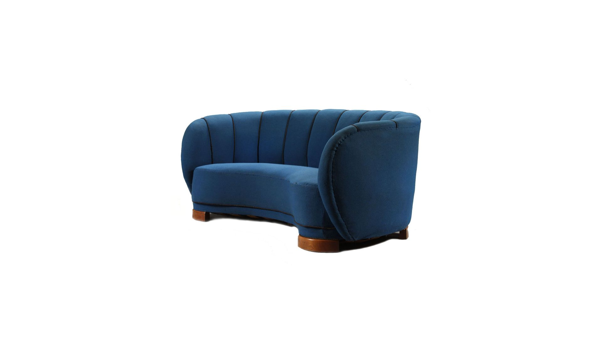 geschwungenes d nisches 3 sitzer sofa 1940er schmiede uwe beer. Black Bedroom Furniture Sets. Home Design Ideas