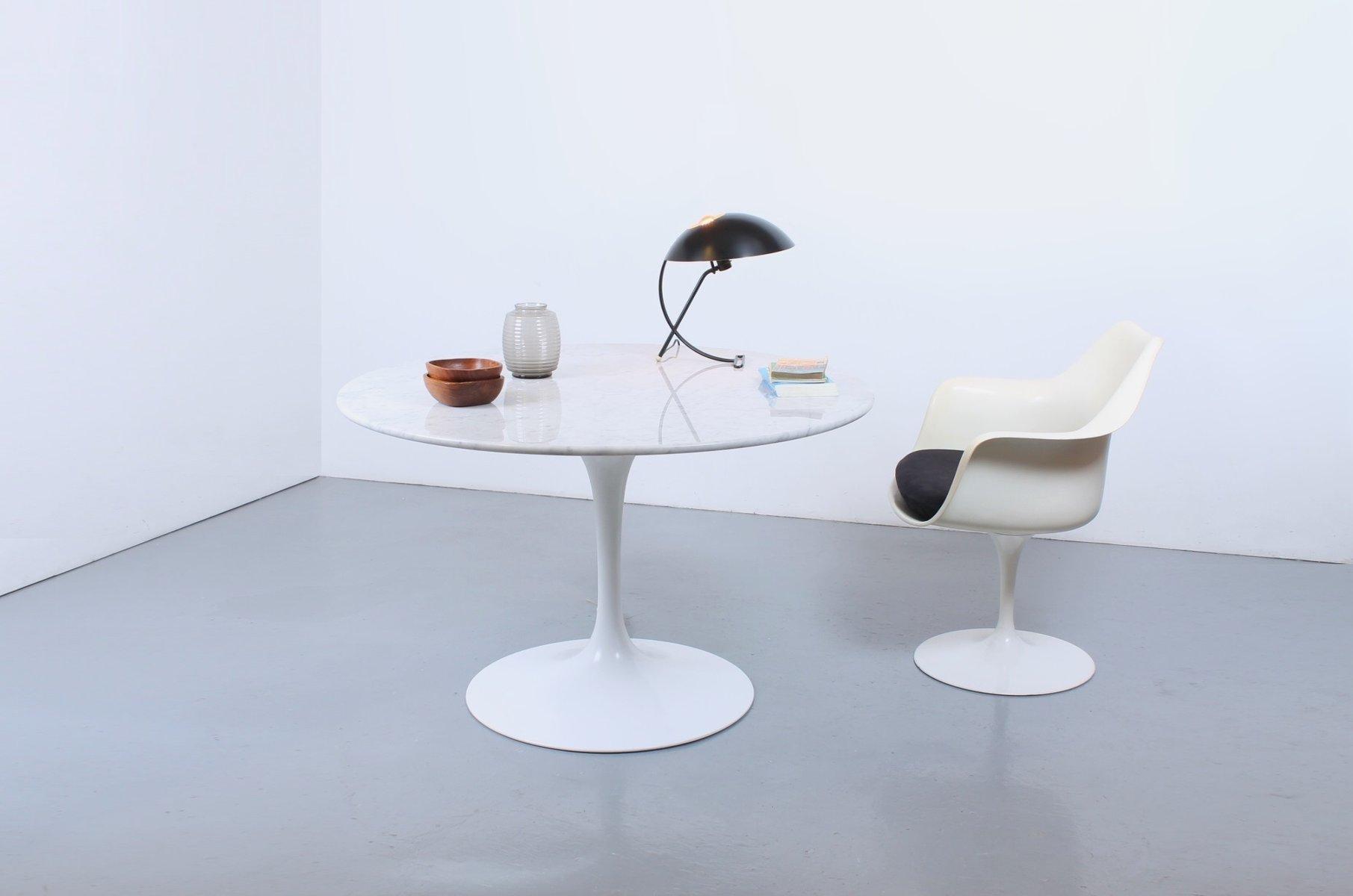 runder wei er tulip esstisch aus marmor von eero saarinen f r knoll 1960er bei pamono kaufen. Black Bedroom Furniture Sets. Home Design Ideas