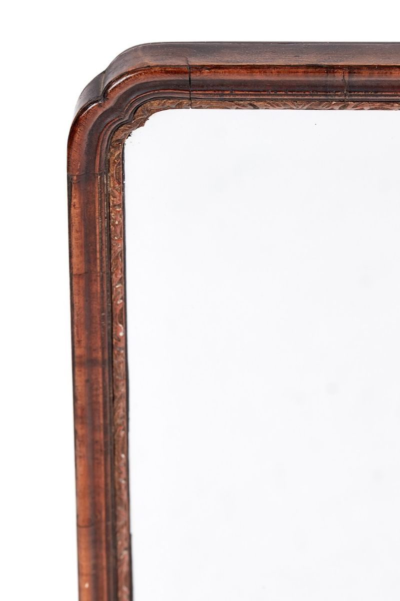 wandspiegel mit rahmen aus geschnitztem nussholz 1920er. Black Bedroom Furniture Sets. Home Design Ideas