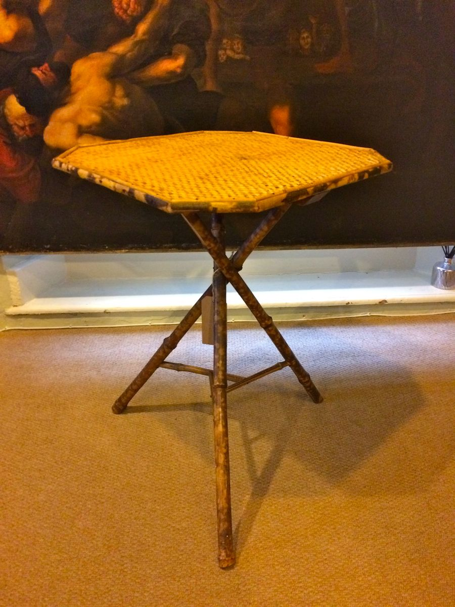 Antique Three-Legged Side Table - Antique Three-Legged Side Table For Sale At Pamono