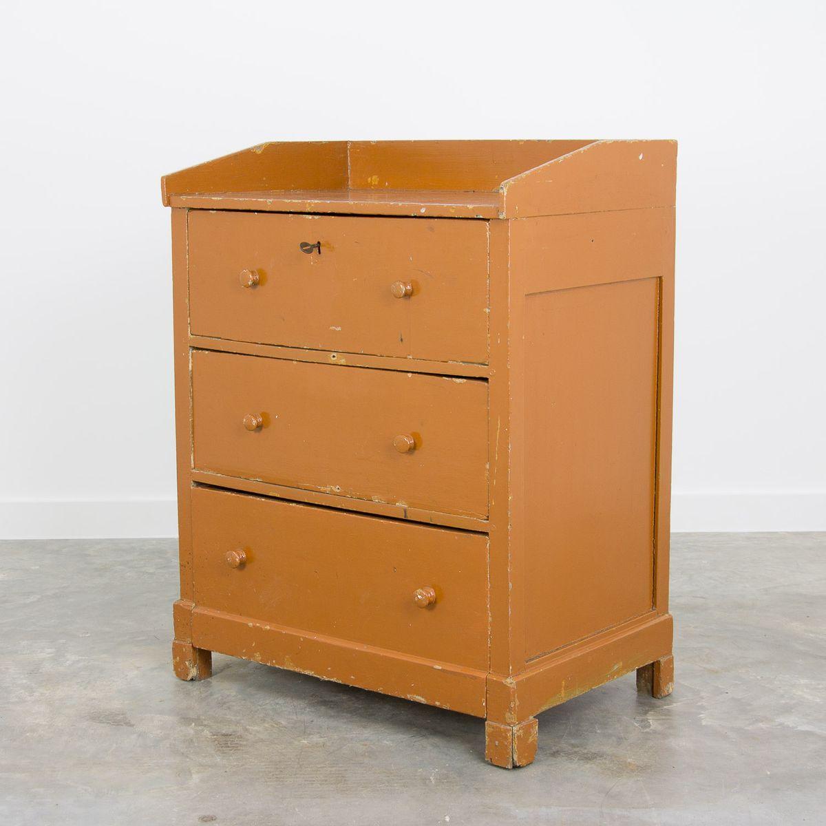 vintage kommode aus pinienholz 1940er salon lima. Black Bedroom Furniture Sets. Home Design Ideas