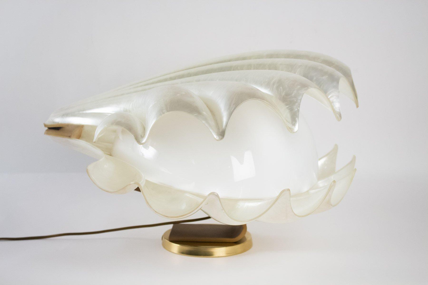 Lampe aus Plexiglas in Muschel-Optik, 1970er