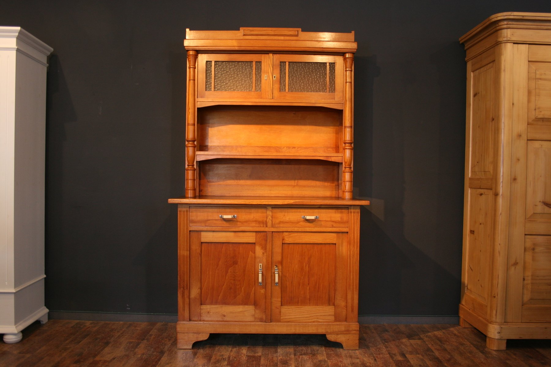 Vintage Küchenschrank aus Eschenholz, 1920er bei Pamono kaufen