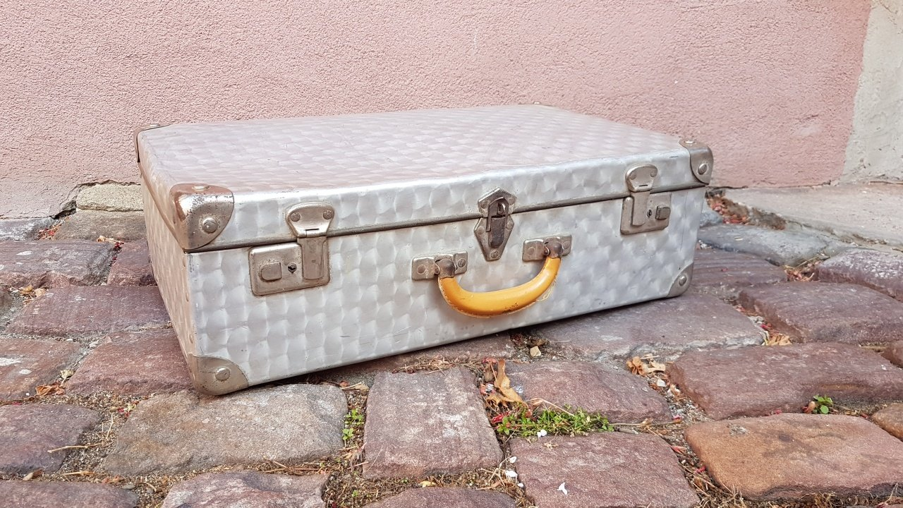 Valigia mid century in alluminio in vendita su pamono