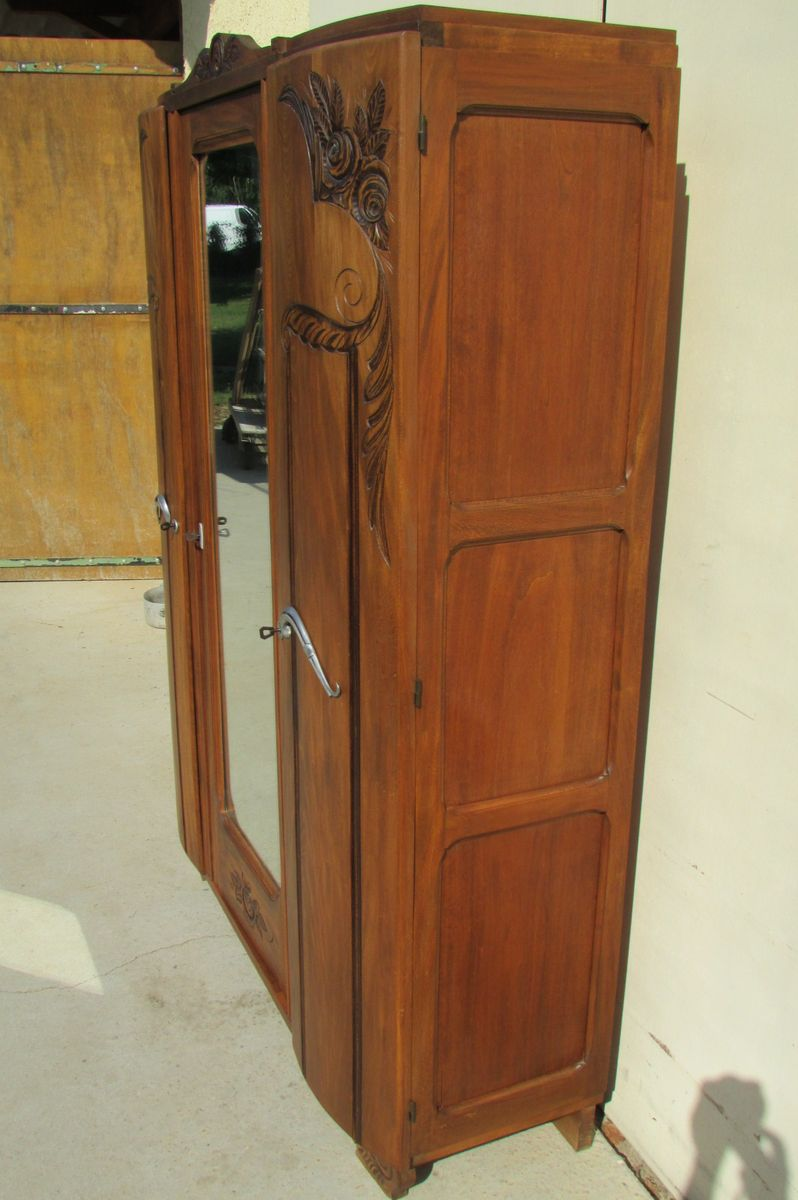 armoire art deco en noyer 1940s en vente sur pamono. Black Bedroom Furniture Sets. Home Design Ideas
