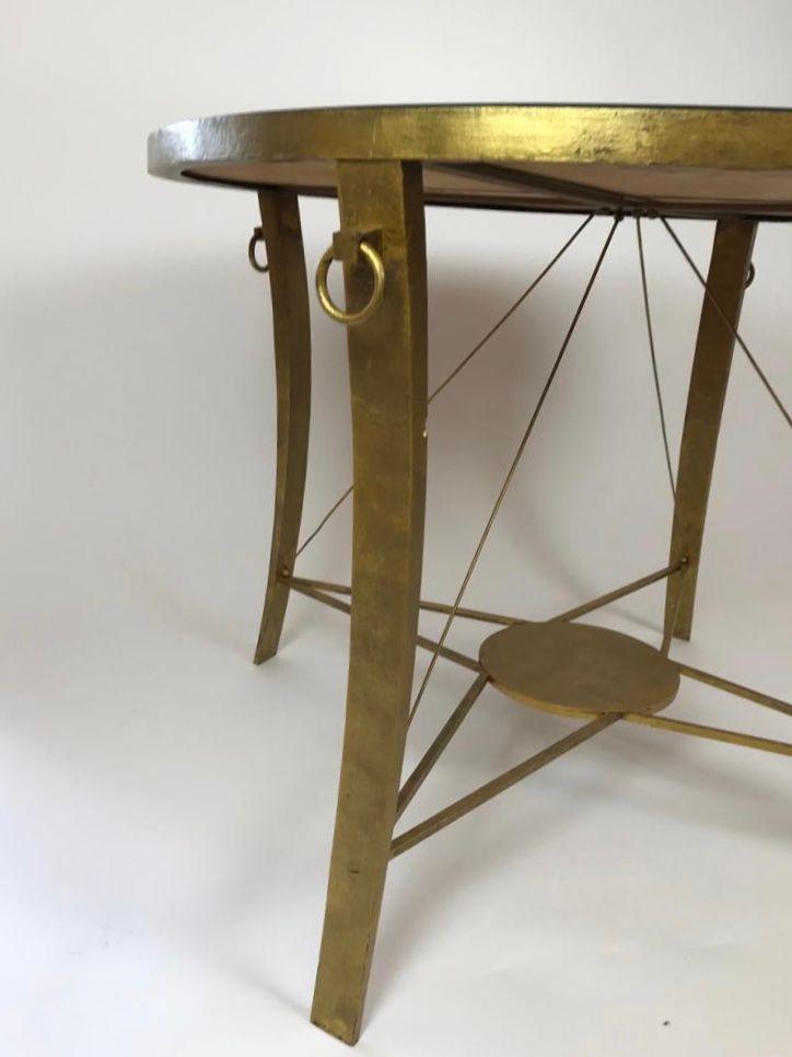 table d 39 appoint vintage en fer dor avec plateau peint en vente sur pamono. Black Bedroom Furniture Sets. Home Design Ideas