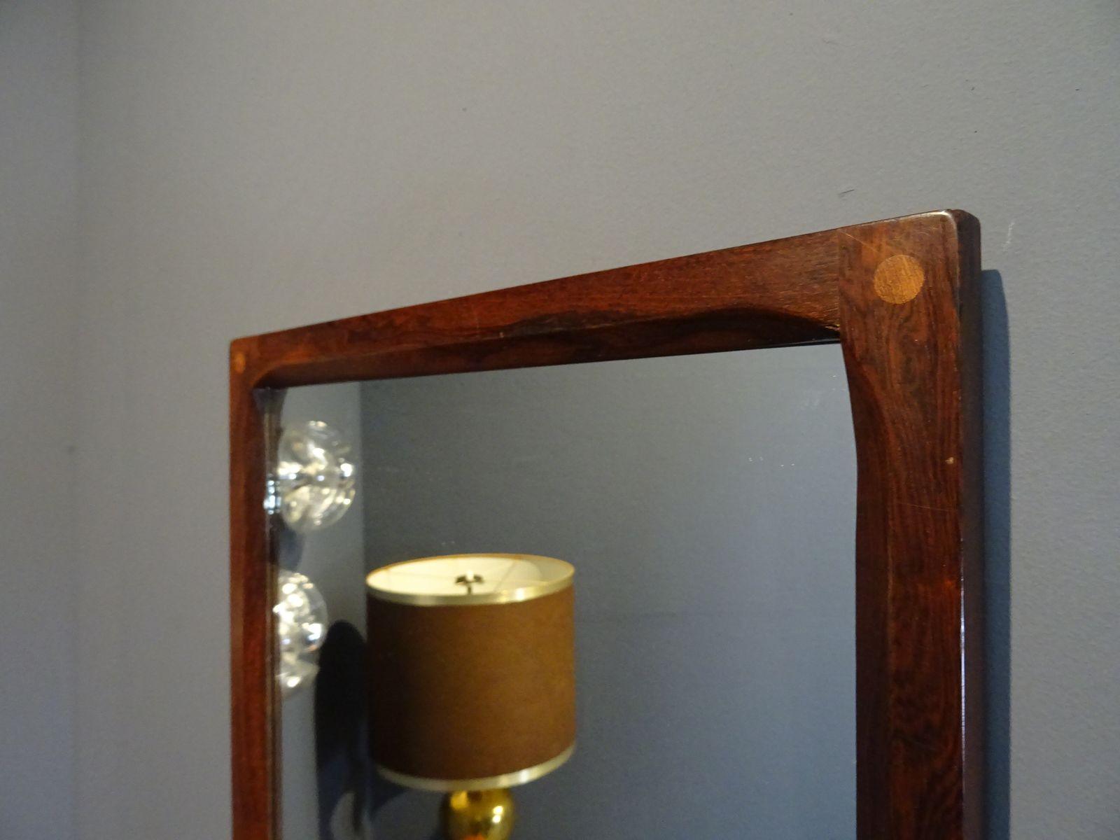 spiegel mit rahmen aus palisander von kai kristiansen f r. Black Bedroom Furniture Sets. Home Design Ideas