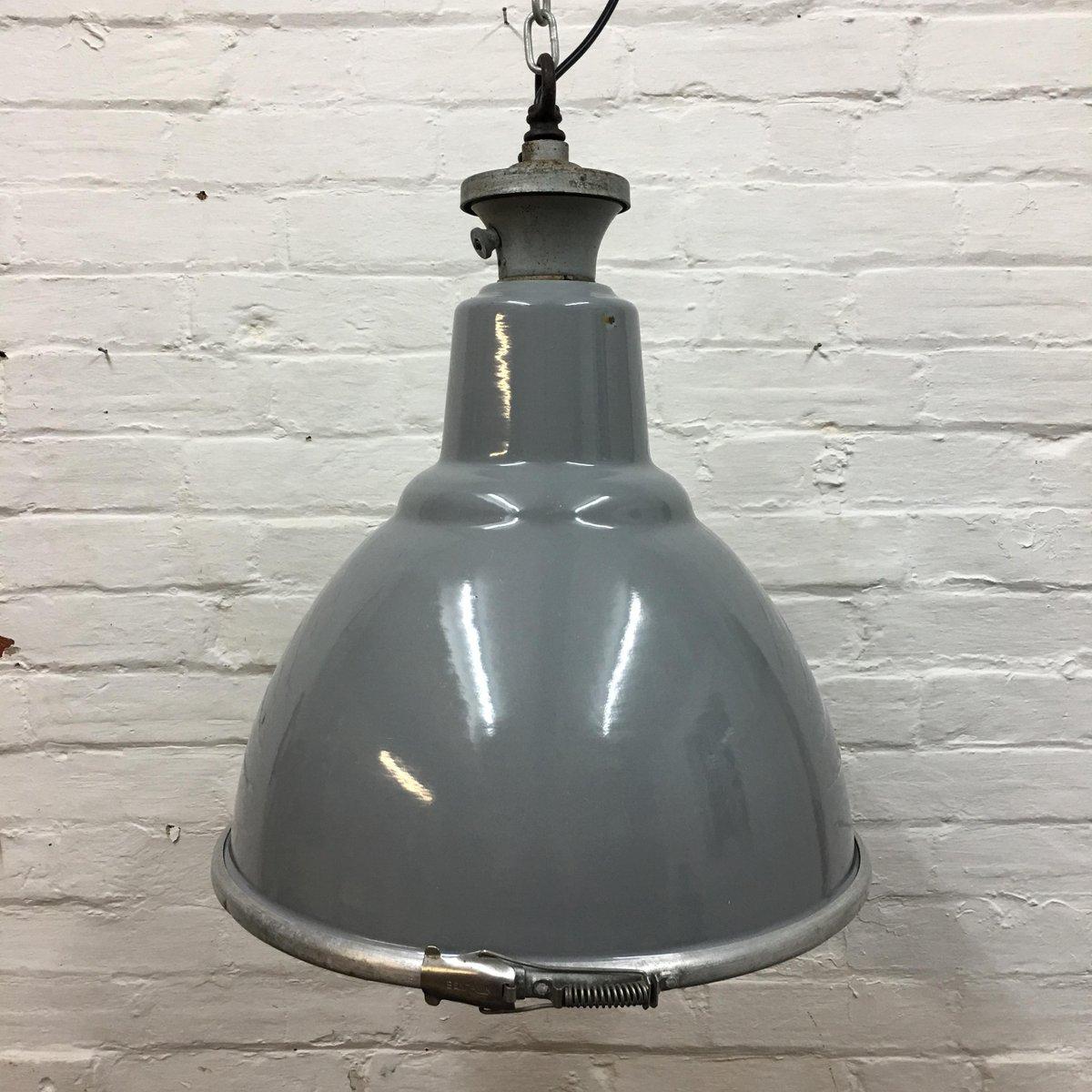 Industrielle Vintage Factory Hängelampe von Benjamin Electric Manufact...