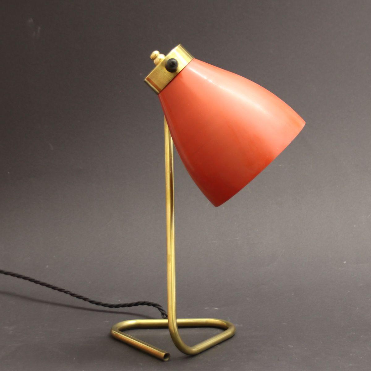 lampe de bureau mid century rouge en laiton france 1950s en vente sur pamono. Black Bedroom Furniture Sets. Home Design Ideas