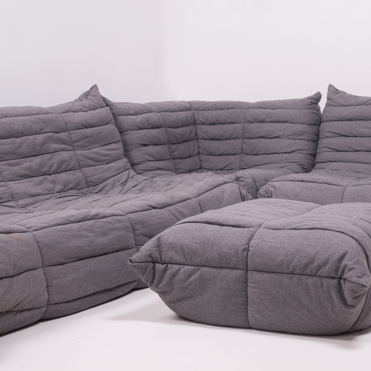 canap modulable et repose pieds togo gris par michel ducaroy pour ligne roset 1970s en vente. Black Bedroom Furniture Sets. Home Design Ideas