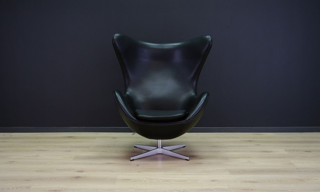 Mid Century Black Leather Egg Chair By