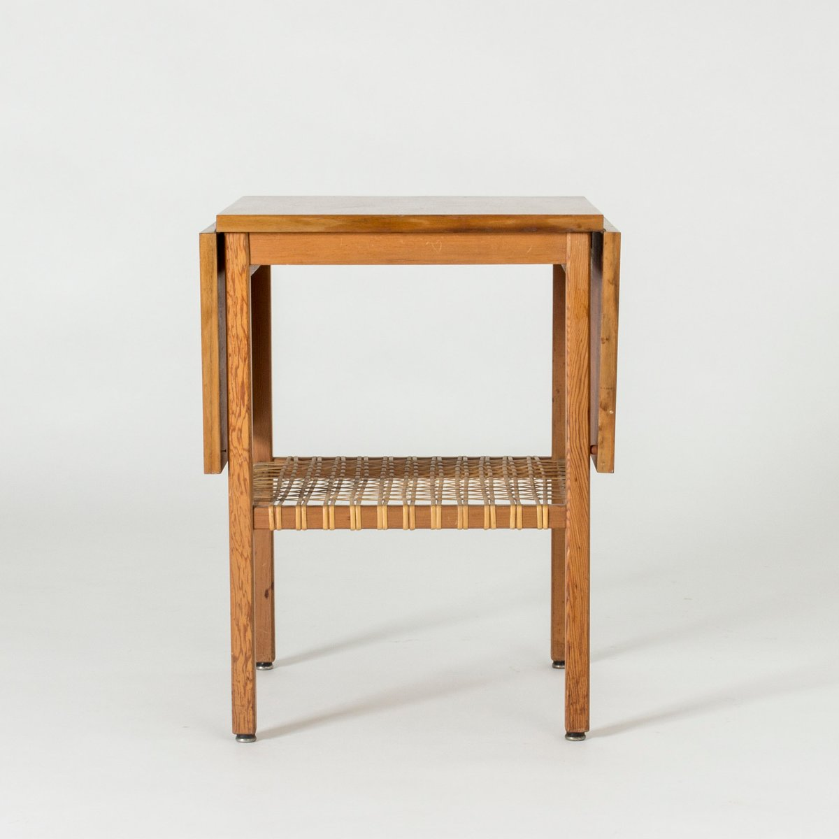 petite table d 39 appoint rabat vintage par bertil. Black Bedroom Furniture Sets. Home Design Ideas