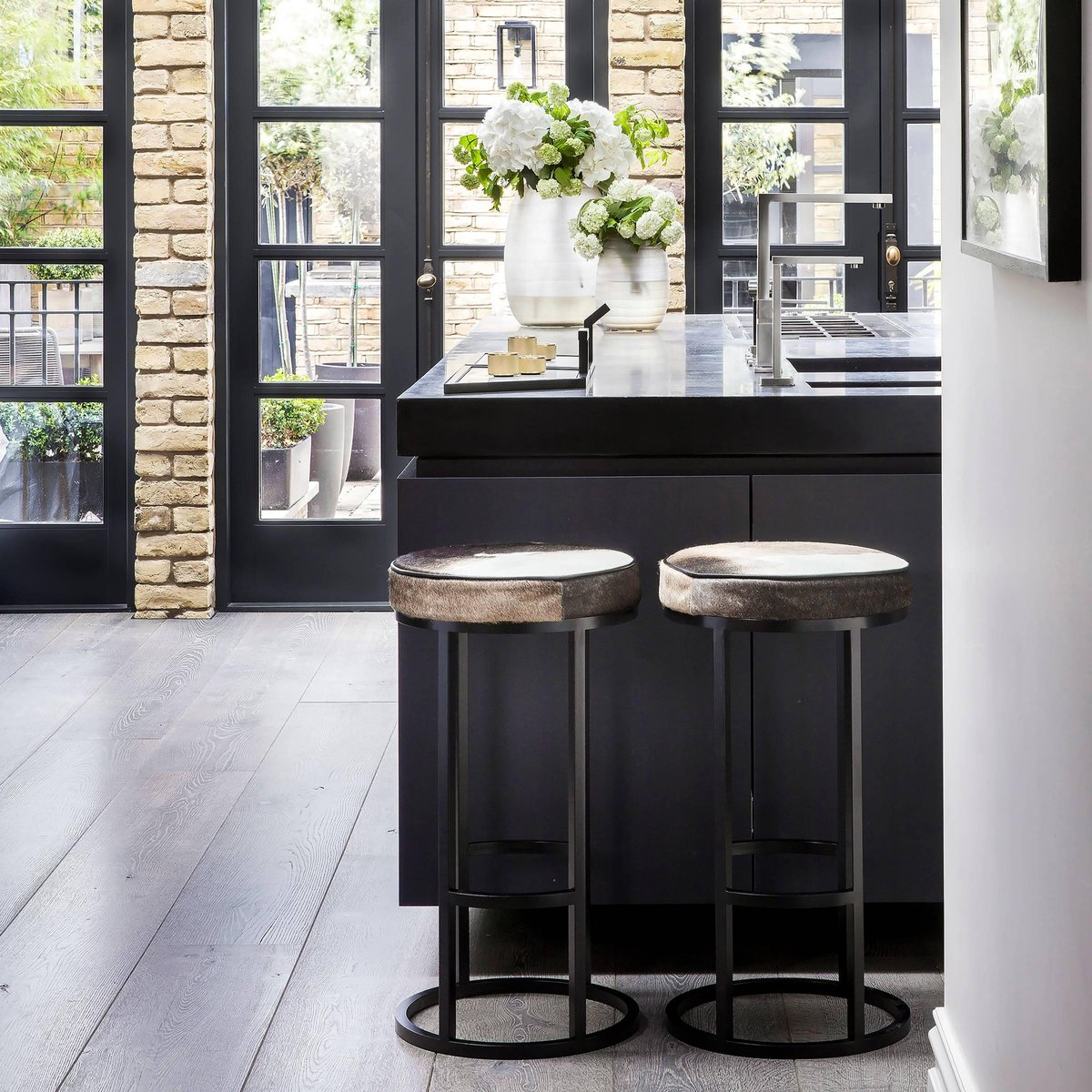tabouret de bar diana en cuir et acier enduit par casa botelho en vente sur pamono. Black Bedroom Furniture Sets. Home Design Ideas