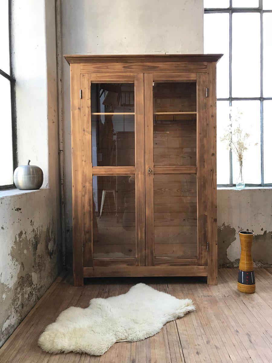 vintage kleiderschrank aus pinienholz 1950er cafe konrad vib. Black Bedroom Furniture Sets. Home Design Ideas