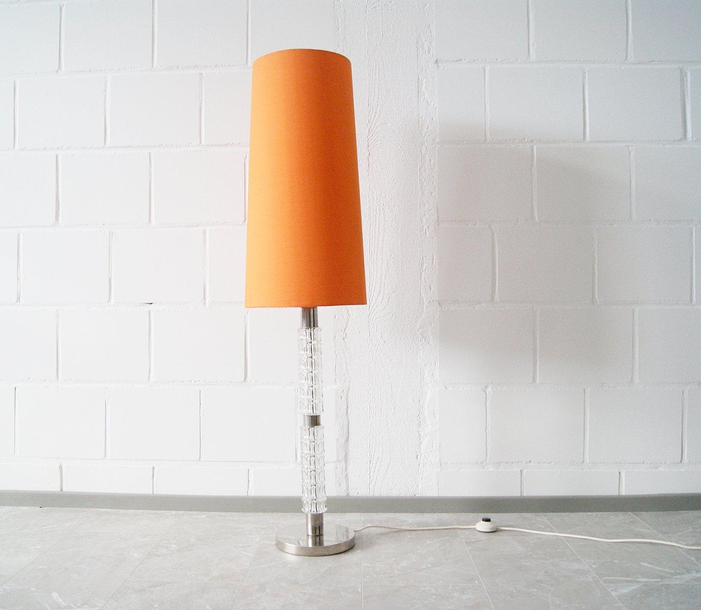 Deutsche Stehlampe aus Glas & Chrom, 1970er