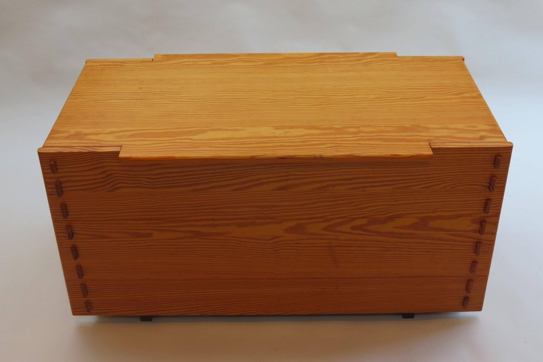 gro e kommode aus pinienholz von alan peters 1980er cafe konrad vib. Black Bedroom Furniture Sets. Home Design Ideas