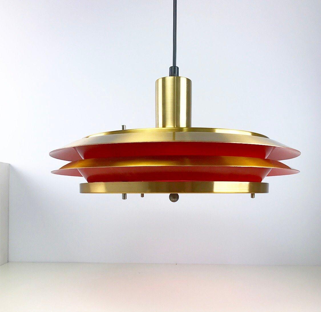 Deckenlampe aus goldenem Messing von Lyskaer, 1960er