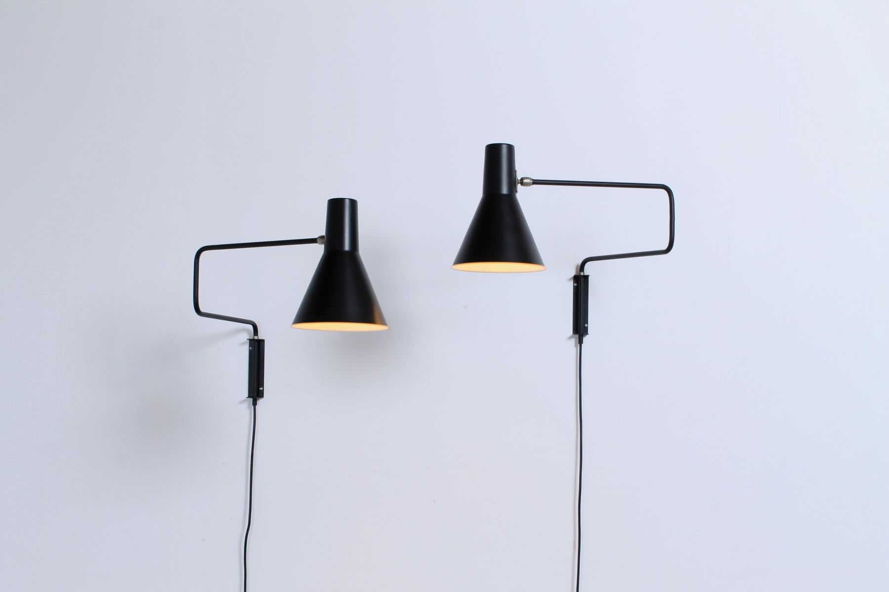 Schwarze 71-01 Wandlampen in Büroklammer-Optik von J. J. M. Hoogervors...