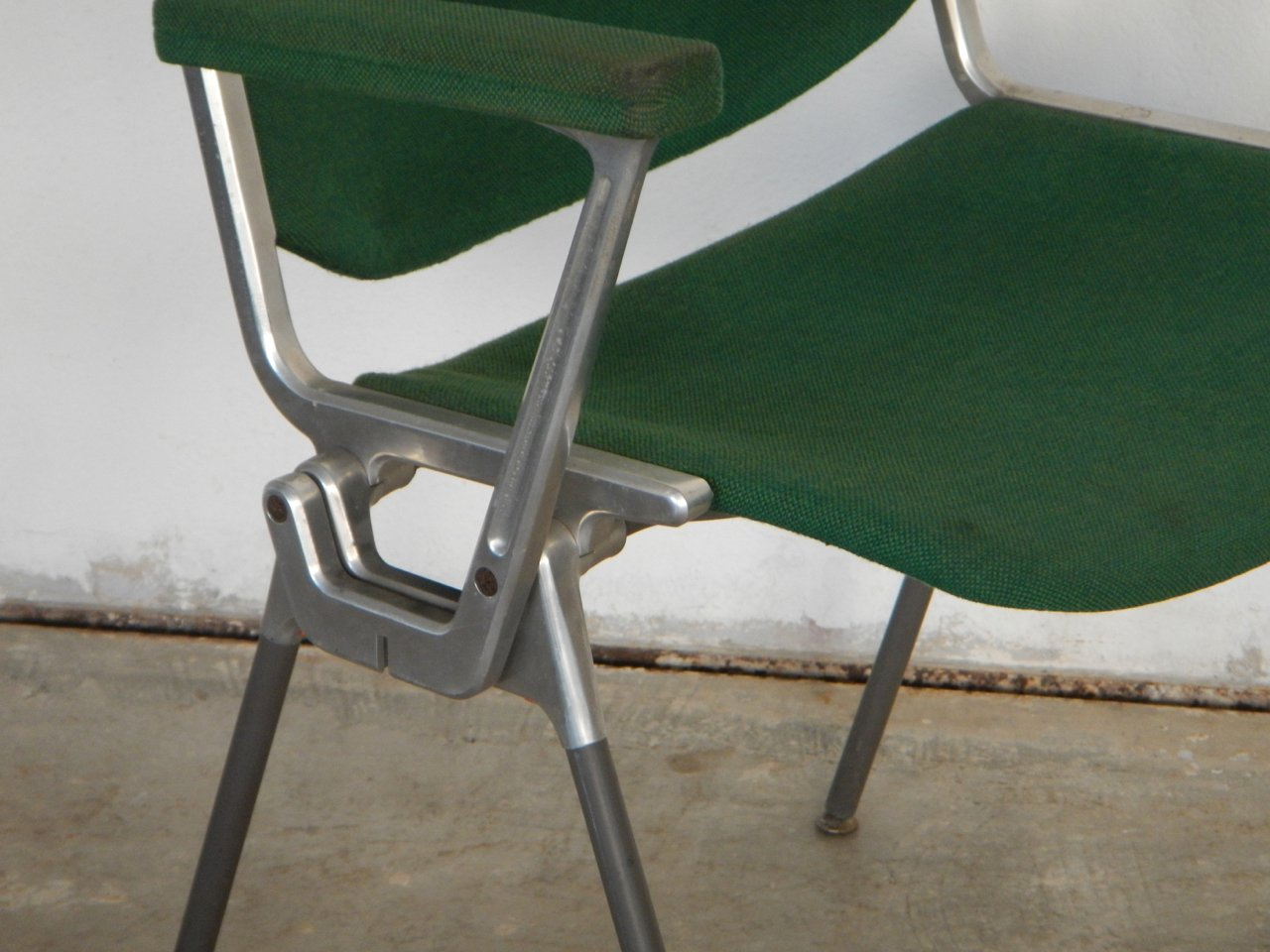 chaise de bureau dsc 106 par giancarlo piretti pour castelli en vente sur pamono. Black Bedroom Furniture Sets. Home Design Ideas
