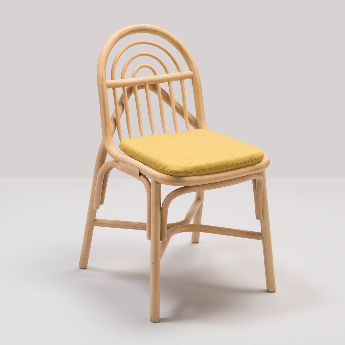 Chaise sillon en rotin avec coussin en tissu gabriel jaune - Chaise en rotin ...