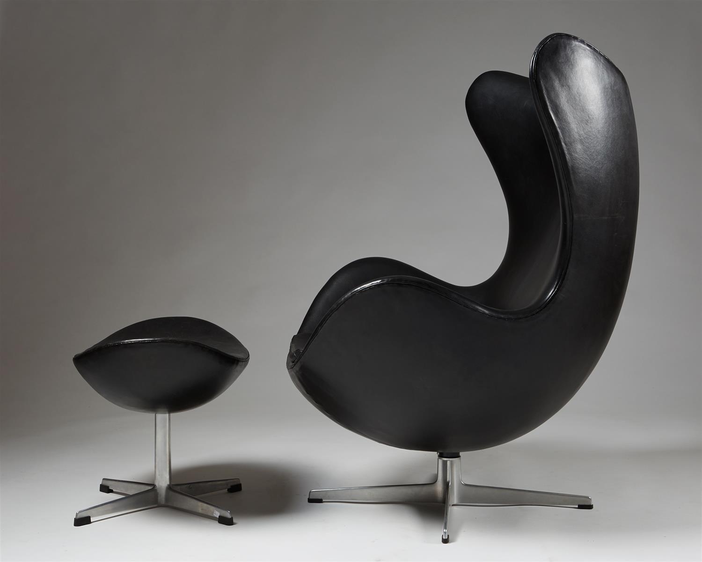 fauteuil egg et repose pieds par arne jacobsen pour fritz. Black Bedroom Furniture Sets. Home Design Ideas
