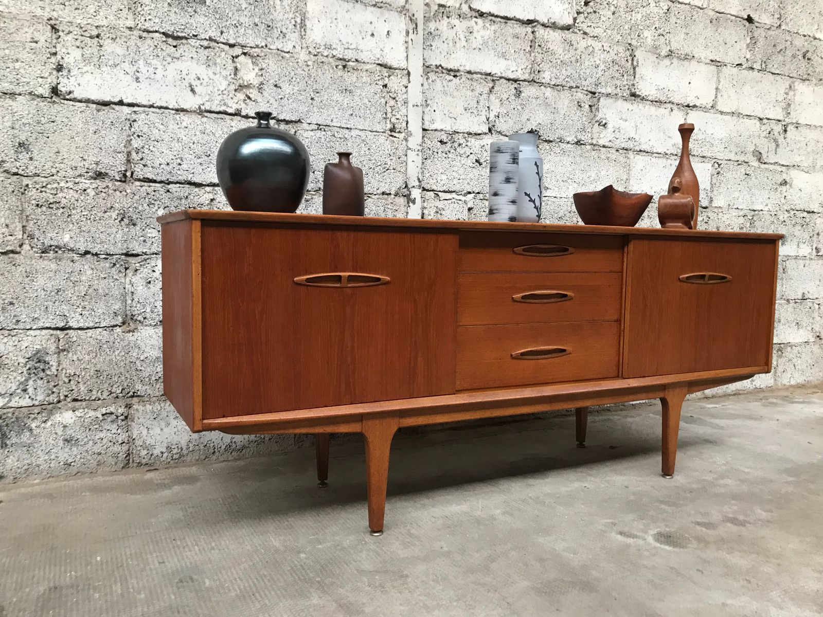 mid century teak sideboard from jentique for sale at pamono. Black Bedroom Furniture Sets. Home Design Ideas