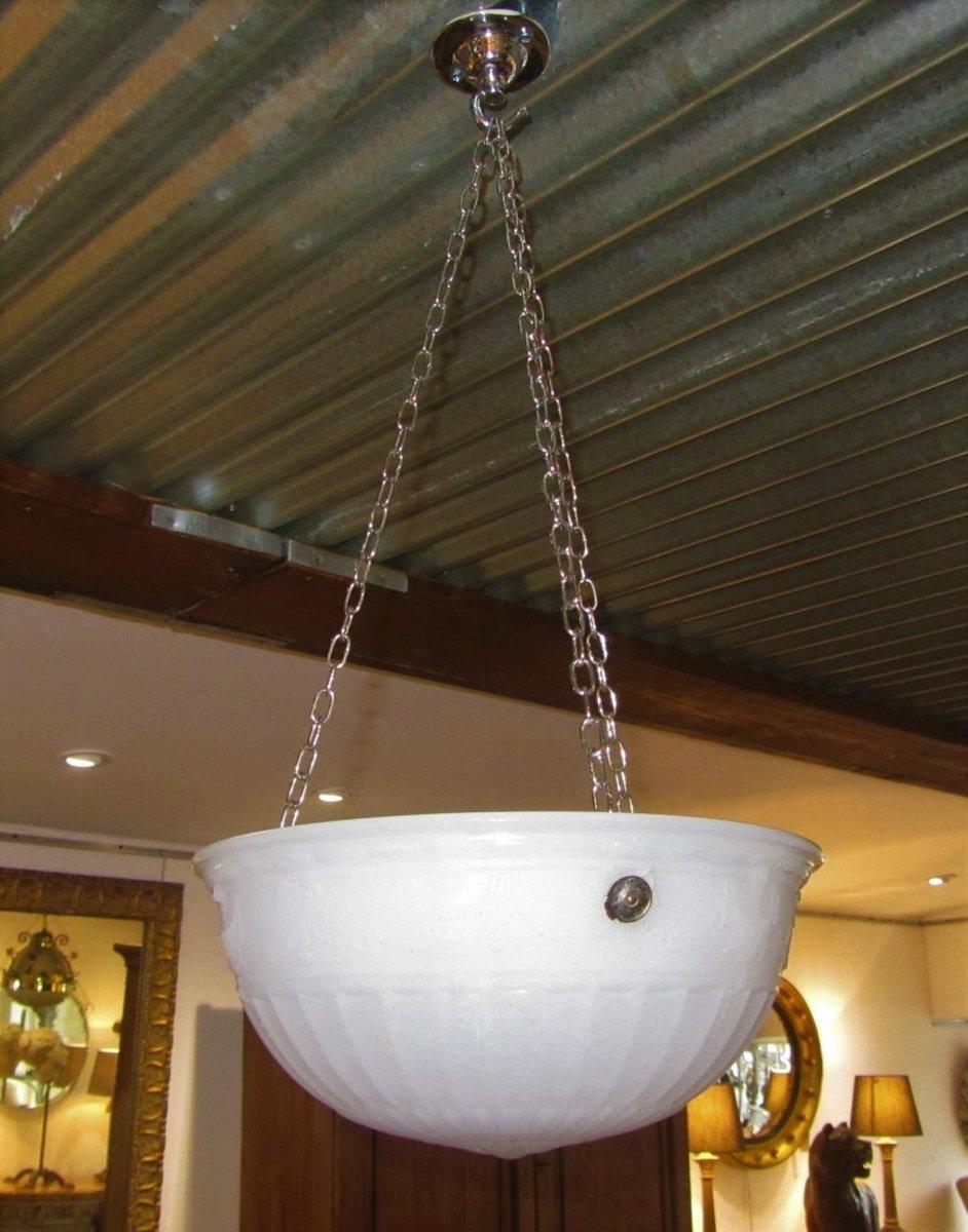 Antike Deckenlampe aus Milchglas