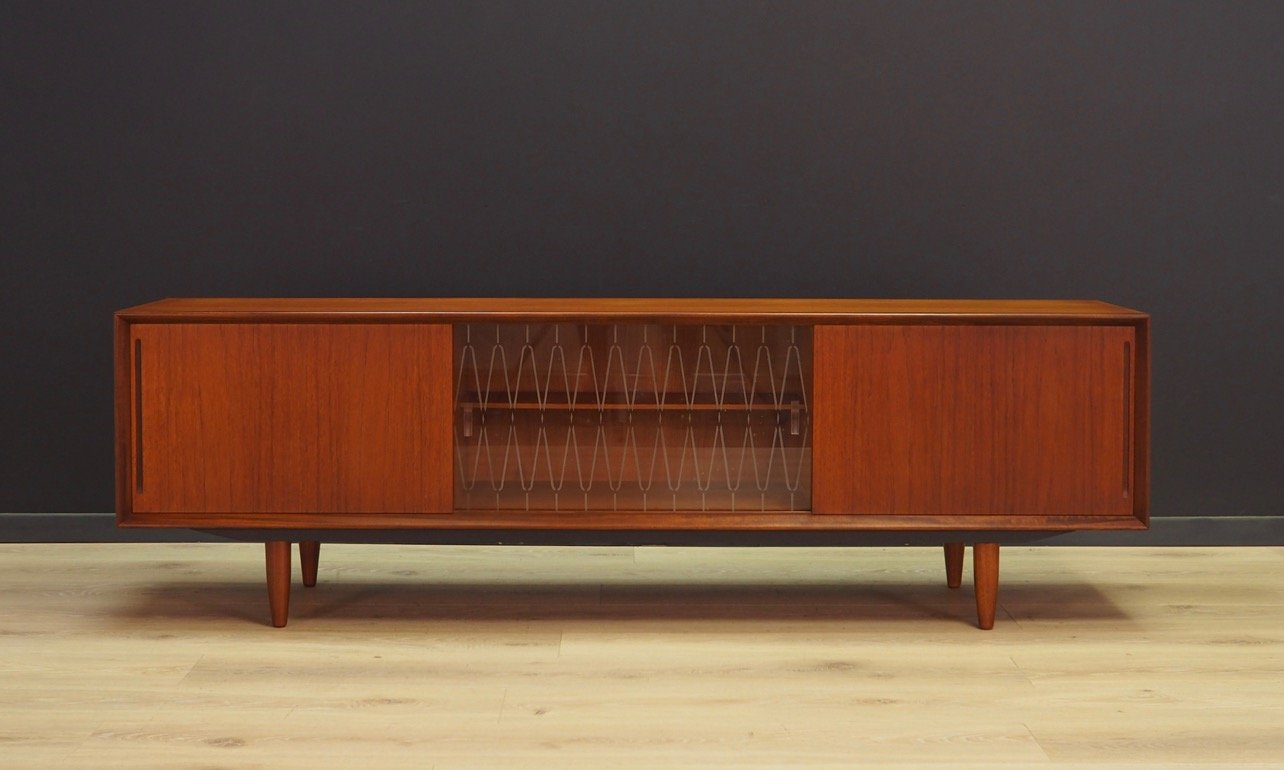 d nisches vintage sideboard aus teak 1970er gerwerth gmbh waltrop. Black Bedroom Furniture Sets. Home Design Ideas