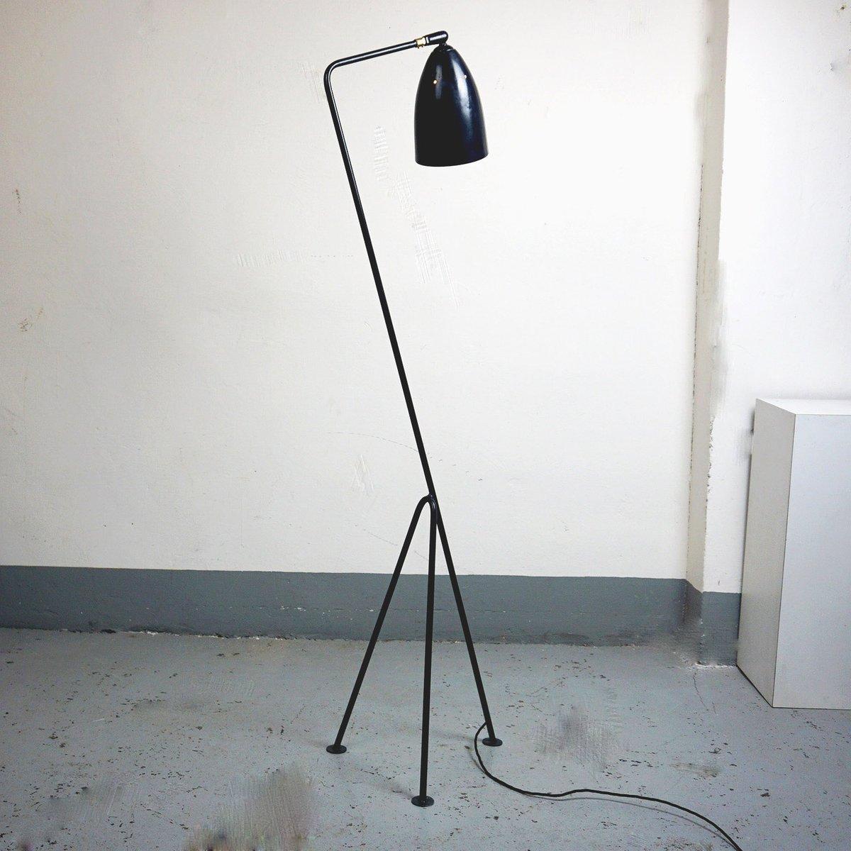 Dunkelblaue skandinavische Grasshopper Stehlampe von Greta Magnusson G...