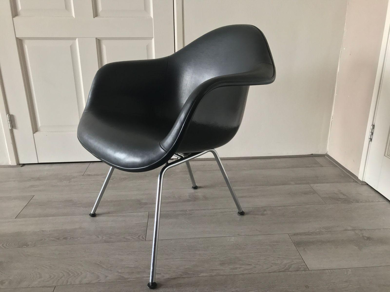 chaise d 39 appoint lax par charles ray eames pour felhmaum en vente sur pamono. Black Bedroom Furniture Sets. Home Design Ideas