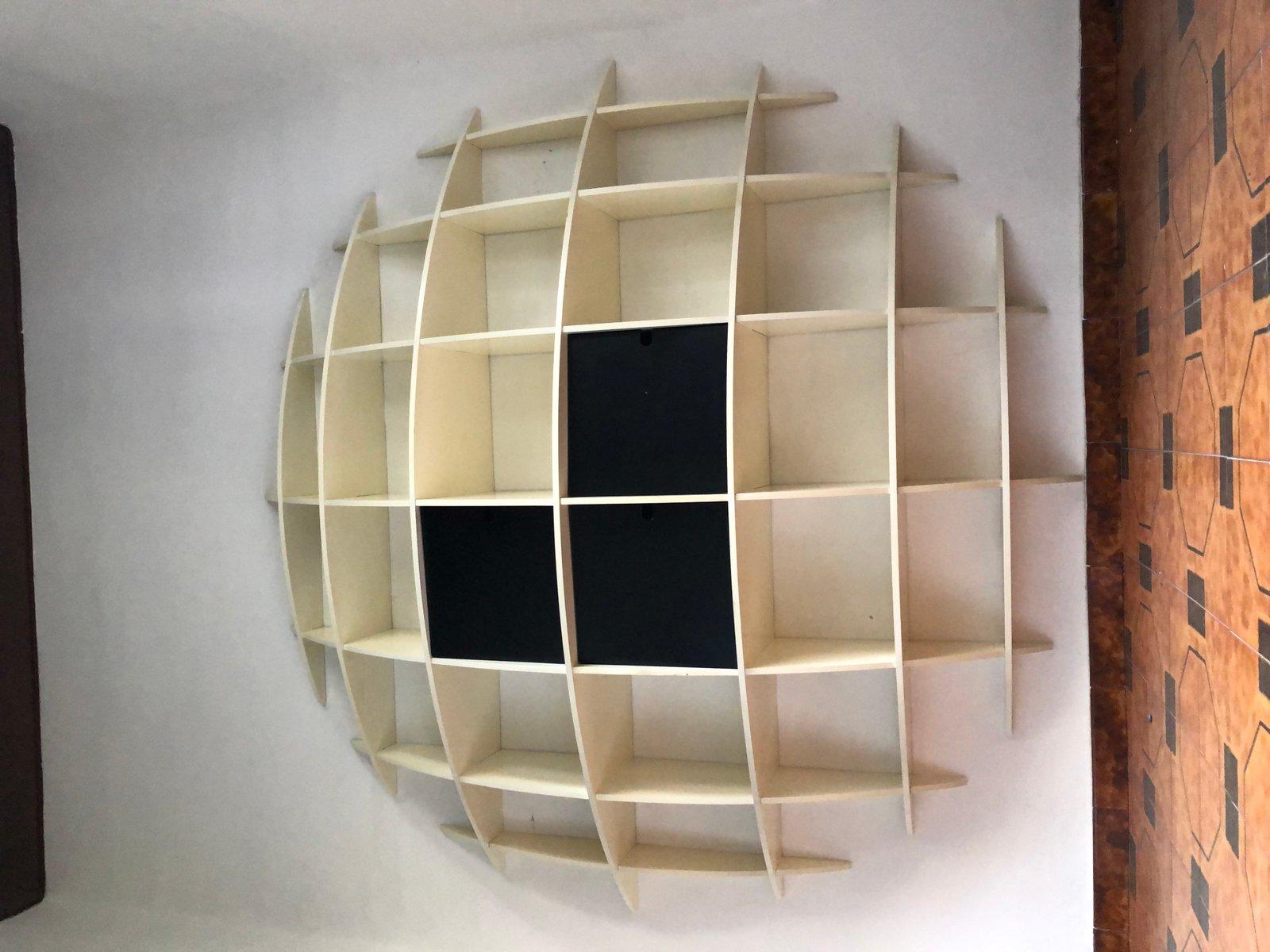 wei lackiertes modell tyco b cherregal aus holz von. Black Bedroom Furniture Sets. Home Design Ideas