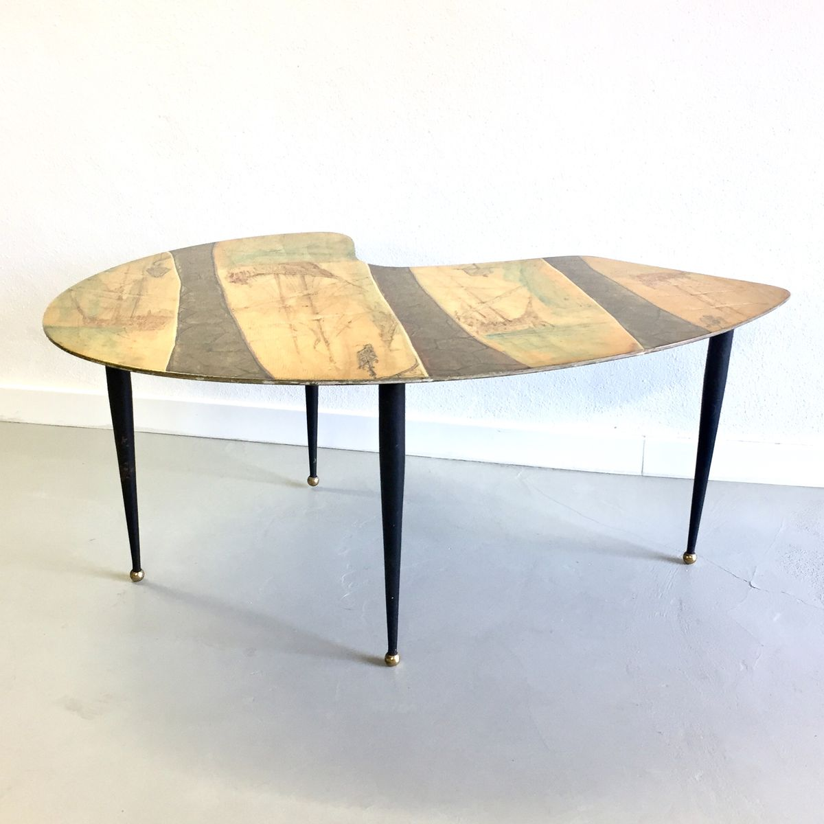 table basse mid century de cumino italie 1950s en vente sur pamono. Black Bedroom Furniture Sets. Home Design Ideas