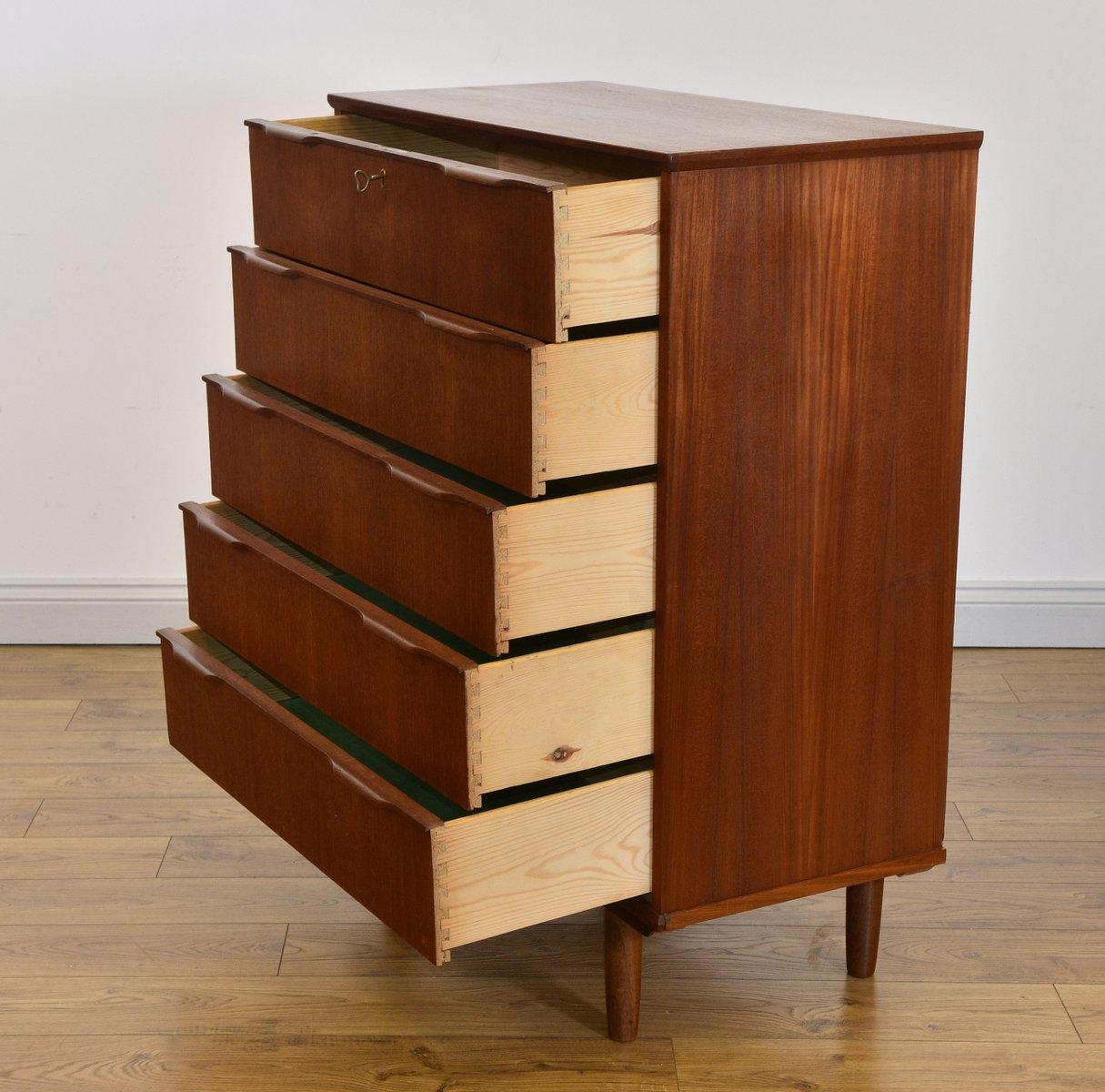 skandinavische mid century kommode aus teak bei pamono kaufen. Black Bedroom Furniture Sets. Home Design Ideas