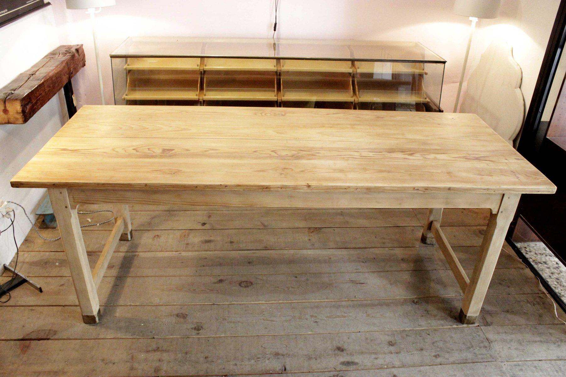 Mesa de comedor vintage de pino, años 40 en venta en Pamono